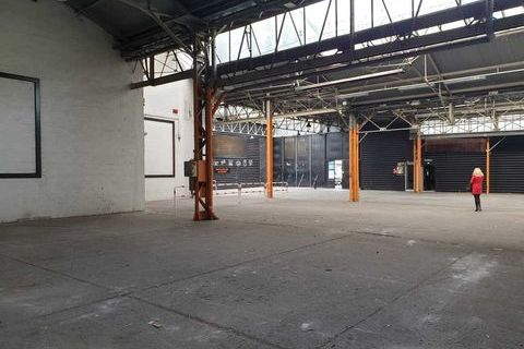 Locaux commerciaux - A LOUER - 3450 m² non divisibles 32499 92700 Colombes
