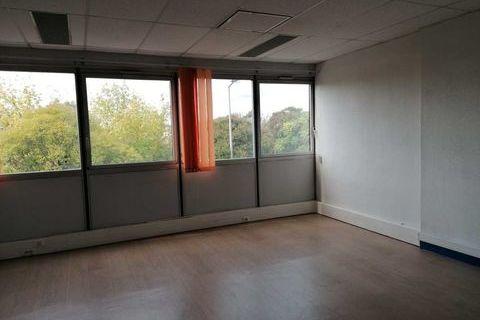 Bureaux - A LOUER - 95 m² non divisibles 791 33700 Merignac