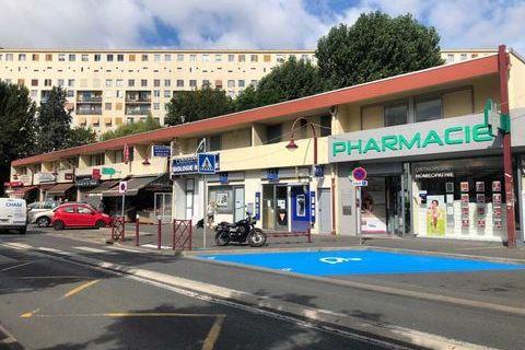 Locaux commerciaux - A LOUER + DROIT D'ENTREE - 139 m² non divisibles 2657 94260 Fresnes