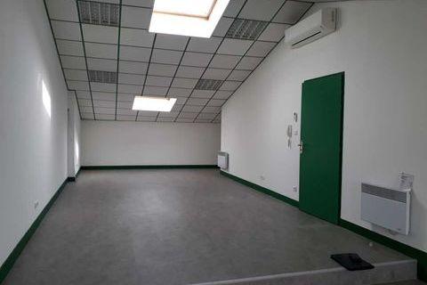Bureaux - A LOUER - 50 m² non divisibles 600 33320 Eysines