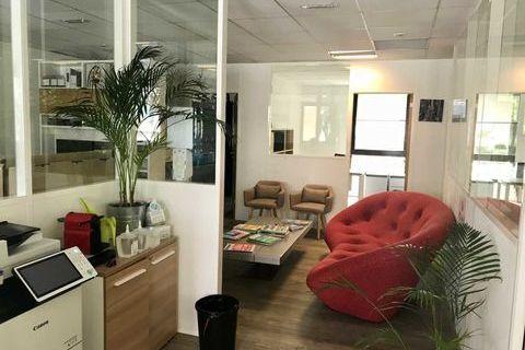 Bureaux - A LOUER - 195 m² non divisibles 5201 92130 Issy les moulineaux