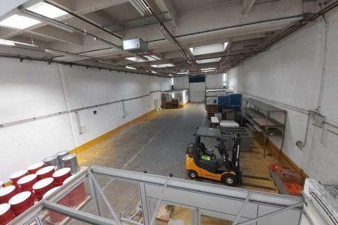Locaux d'activité - A LOUER - 818 m² non divisibles 8860 91320 Wissous