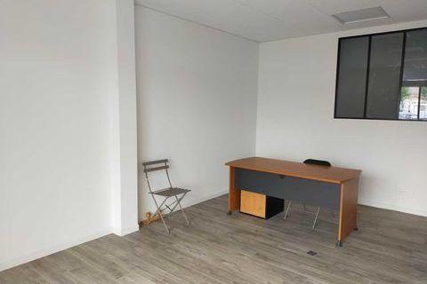 Bureaux - A LOUER - 63 m² divisibles à partir de 31 m² 1100 33000 Bordeaux