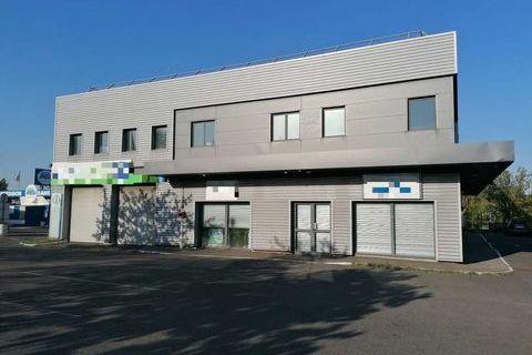 Bureaux - A LOUER - 740 m² divisibles à partir de 52 m² 12336 91420 Morangis