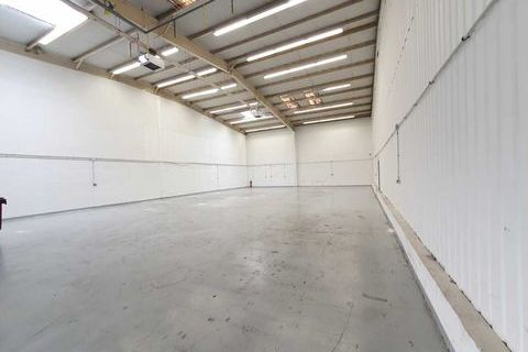 RARE SUR LE SECTEUR - 414 m² non divisibles 3105 77186 Noisiel