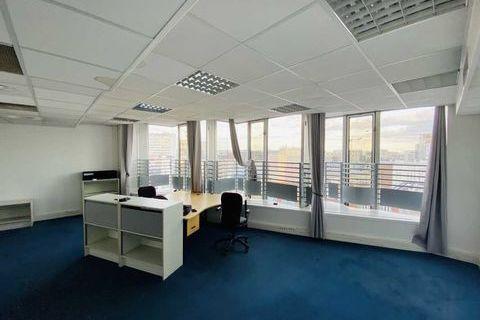 Bureaux - A VENDRE - 63 m² non divisibles 600000 75013 Paris