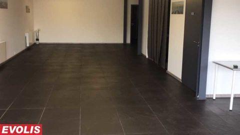 Locaux commerciaux - A LOUER - 380 m² non divisibles