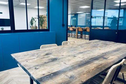 Bureaux - A LOUER - 250 m² non divisibles 3543 93170 Bagnolet