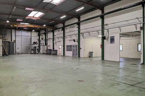 Locaux d'activité - A VENDRE - 2050 m² non divisibles 1800003 91080 Courcouronnes