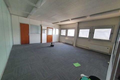 Locaux d'activité - A LOUER - 63 m² non divisibles 656 94430 Chennevieres sur marne