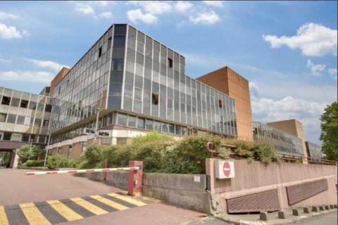 Bureaux - A VENDRE - 942 m² non divisibles 2800001 94120 Fontenay sous bois