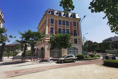 Bureaux - A VENDRE - 845 m² divisibles à partir de 88 m² 2738725 93340 Le raincy