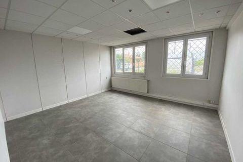 Bureaux - A LOUER - 32 m² non divisibles 200 33520 Bruges