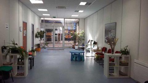 Bureaux - A LOUER - 30 m² non divisibles 400 77183 Croissy beaubourg