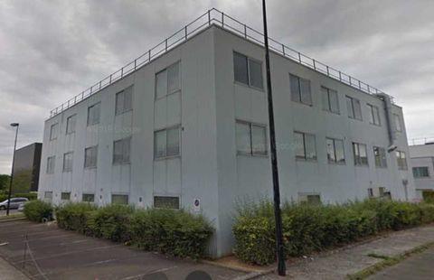 Bureaux et Activités - A VENDRE - 1268 m² non divisibles 1100003 78530 Buc