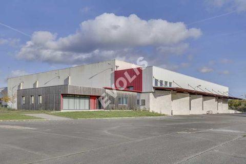 Entrepôts - A VENDRE - 4480 m² non divisibles 4356979 78440 Porcheville