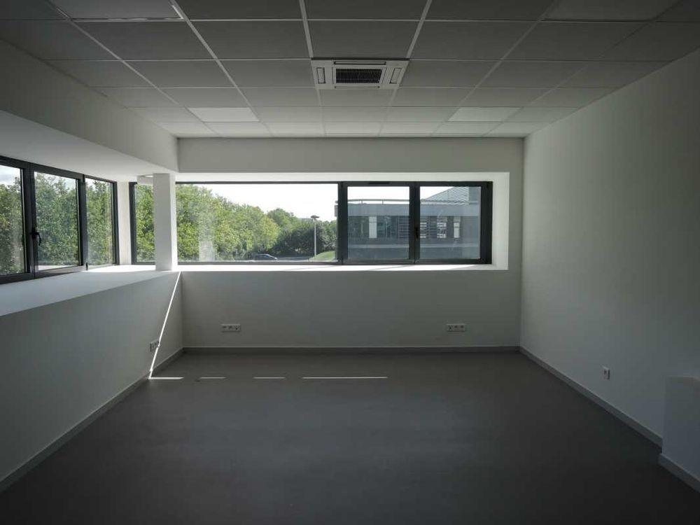 Bureaux - A VENDRE - 257 m² divisibles à partir de 80 m²