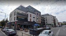 Locaux commerciaux - A LOUER - 131 m² non divisibles