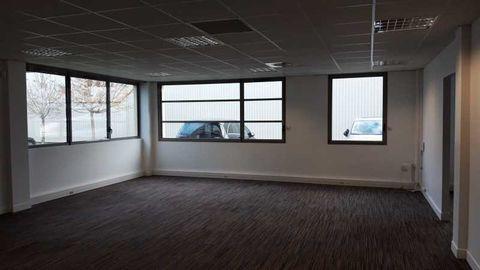 Bureaux - A LOUER - 50 m² non divisibles 607 91350 Grigny
