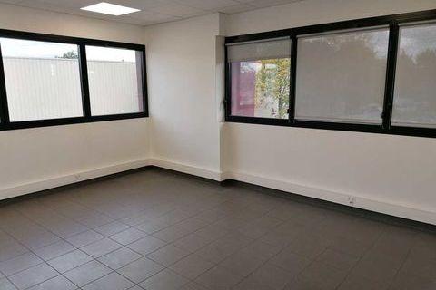 Bureaux - A LOUER - 110 m² non divisibles 1489 95320 Saint leu la foret