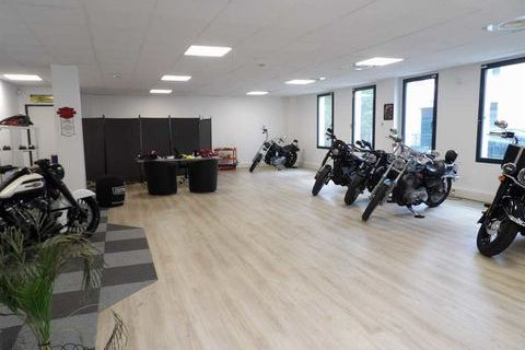 Bureaux - A LOUER - 135 m² non divisibles 1800 78290 Croissy sur seine