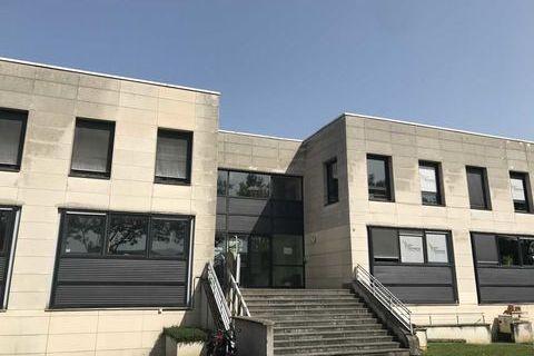 Bureaux - A VENDRE - 643 m² divisibles à partir de 186 m² 835900 77185 Lognes
