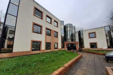 LOCAUX CLIMATISES - 300 m² divisibles à partir de 150 m² 3000 78350 Jouy en josas