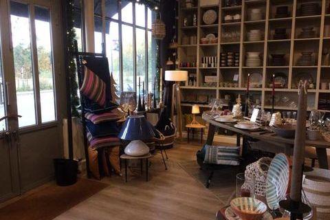 Locaux commerciaux - A LOUER - 70 m² non divisibles 1633 92190 Meudon