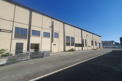 Locaux d'activité - A LOUER - 1500 m² divisibles à partir de 600 m² 16755 94400 Vitry sur seine