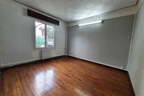 RARE SUR LE SECTEUR - 116 m² divisibles à partir de 56 m² 1546 93140 Bondy