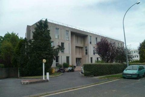 Bureaux cloisonnés et câblés - 473 m² divisibles à partir de 78 m² 6692 78140 Velizy villacoublay