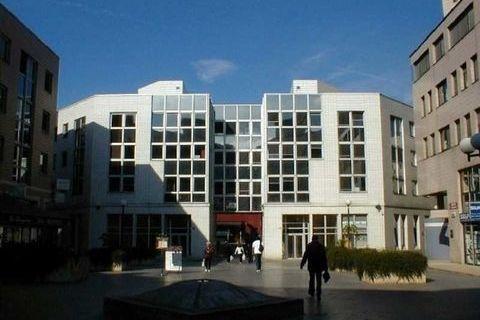 Bureaux - A LOUER - 303 m² non divisibles 3660 78180 Montigny le bretonneux