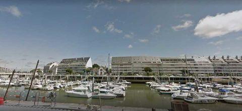 Locaux commerciaux - CESSION DE FONDS - 165 m² non divisibles 0 44510 Le pouliguen