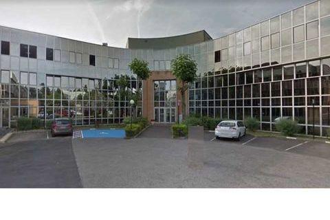 Bureaux - A LOUER - 327 m² non divisibles 3816 78100 Saint germain en laye