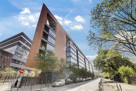 Exclusivité - 709 m² non divisibles 17137 93100 Montreuil