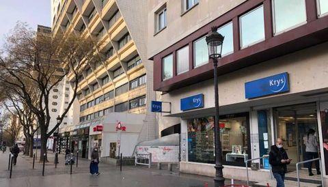 Locaux commerciaux - A LOUER - 114 m² non divisibles 3500 75019 Paris