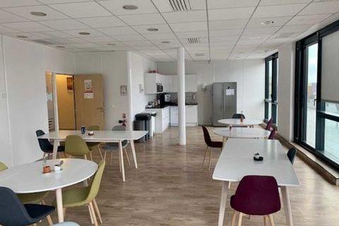 Bureaux - A LOUER - 135 m² non divisibles 3352 92240 Malakoff