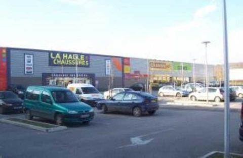 Locaux commerciaux - A LOUER - 1000 m² non divisibles 6670 89300 Joigny