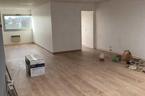 Bureaux - A LOUER - 131 m² divisibles à partir de 55 m² 1189 77450 Montry