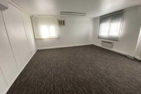 Bureaux - A LOUER - 145 m² divisibles à partir de 15 m² 2900 33310 Lormont