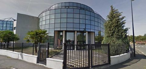 Bureaux - A LOUER - 1054 m² divisibles à partir de 194 m² 11415 94500 Champigny sur marne
