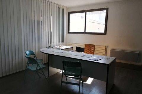 Lumineux - 143 m² divisibles à partir de 12 m² 954 91860 Epinay sous senart