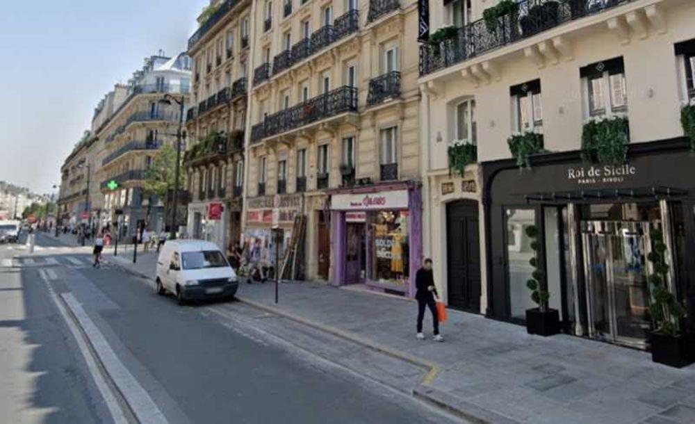 Locaux commerciaux - A LOUER - 137 m² non divisibles