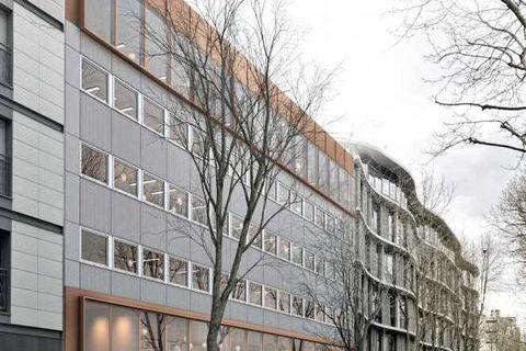 Bâtiment indépendant rénové au coeur de Montrouge - 2052 m² non divisibles 50007 92120 Montrouge