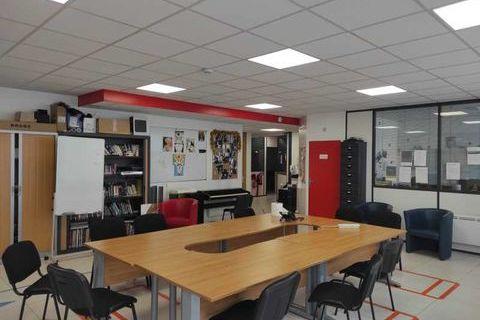 Bureaux - A LOUER - 175 m² non divisibles 3792 94800 Villejuif