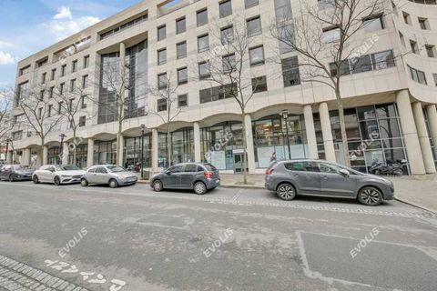 Bureaux - A VENDRE - 450 m² non divisibles 2200001 92500 Rueil malmaison