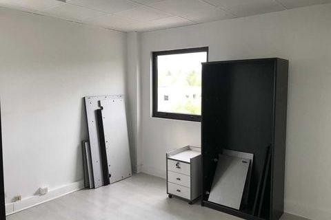 Bureaux rénovés - 35 m² non divisibles 613 78870 Bailly