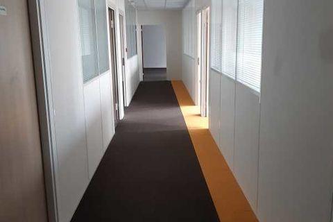 Bureaux - A LOUER - 200 m² non divisibles 2166 93120 La courneuve