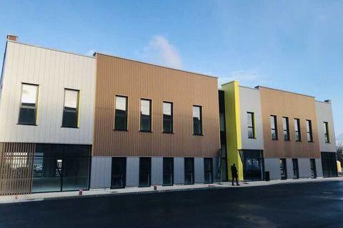 Locaux commerciaux - A VENDRE - 155 m² non divisibles 390000 77170 Servon