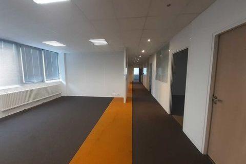 Loyer attractif - 1217 m² divisibles à partir de 56 m² 15724 93120 La courneuve